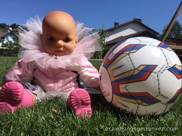 Die Vereinbarkeit von Fußball undPuppenspielen